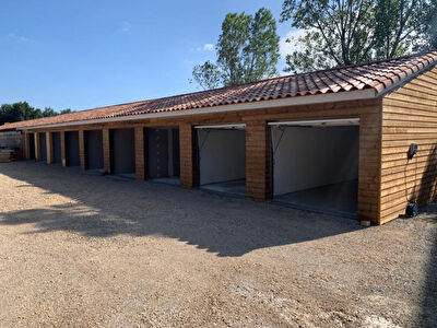 Box / Garage Merville 18.66 m²